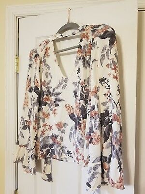 American Eagle Outfitters Bell Sleeve Shirt Size Medium Floral Tie Back