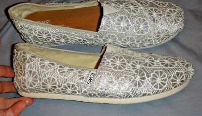 NWT TOMS SILVER CROCHET GLITTER SLIP ON SHOES SIZE 8-5