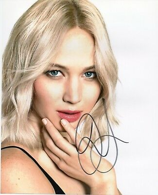 Autographed Jennifer Lawrence signed 8 x 10 photo Hunger Games Nice