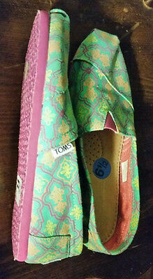 Toms multicolored shoes size 6-5 NWOT