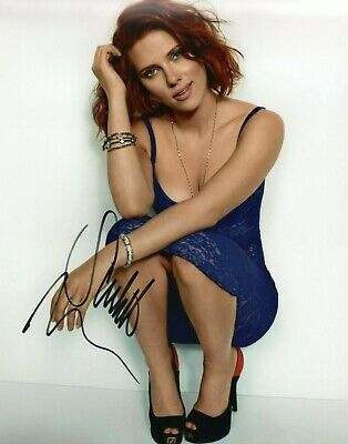 Autographed Scarlett Johansson signed 8 x 10 photo Hot