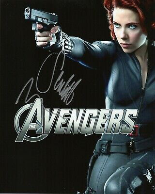 Autographed Scarlett Johansson signed 8 x 10 photo