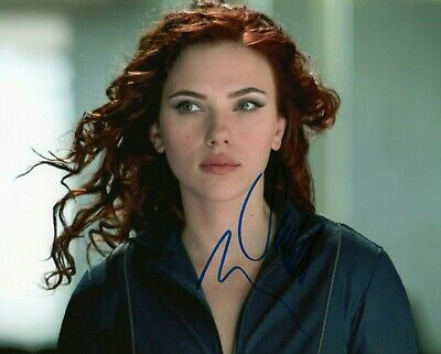 Scarlett Johansson signed 8 x 10 photo Great Condition