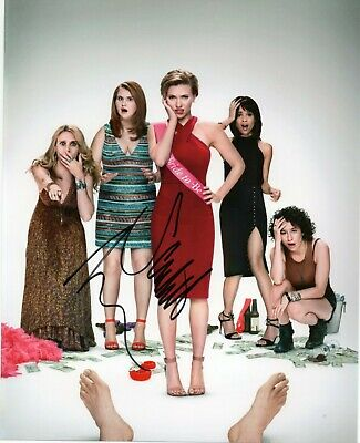 Autographed Scarlett Johansson signed 8 x 10 photo Great Condition