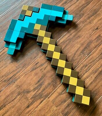 Minecraft Transforming Diamond Sword Pickaxe Mattel 2014