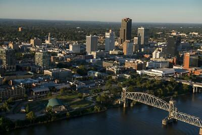 Little Rock AR Minutes to Downtown - River Market Close to Everything Look