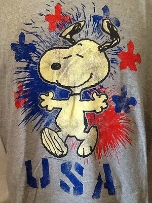 Peanuts Snoopy USA Red White Blue Short Sleeve Gray T Shirt Size Large