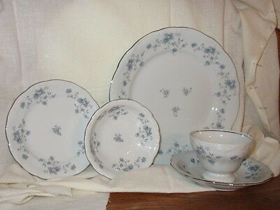 Johann Haviland Blue Garland China 5 Piece Place Setting Multiples Available