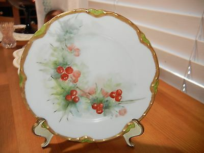 BEAUTIFUL 6 INCH  HAVILAND  PLATE HAS RED BERRIES  GREEN LEAVES AND  GOLD RIM