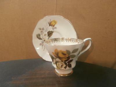 ROYAL GRAFTON ROSES MISMATCHED BONE CHINA CUP - SAUCER