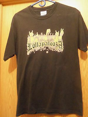 Lollapalooza concert towns graphic black t shirt M