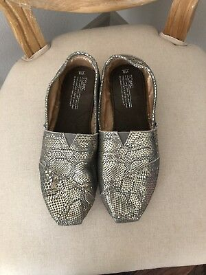 womens toms shoes size 8