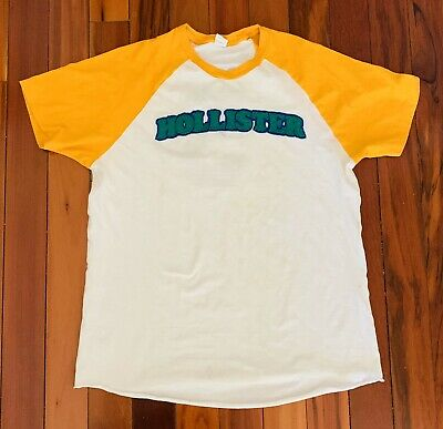 Men's Hollister Co  Large Vintage T-shirt Stitched Letters Graphic Tee Baseball