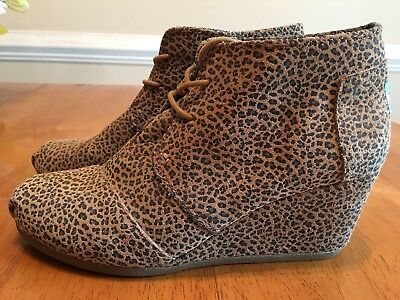 Toms Shoes Wedge Booties Animal Desert Cheeta Print Ankle Boots SIZE 9