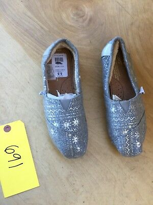 Toms Womens  Slip On Shoes Size 5-5 691