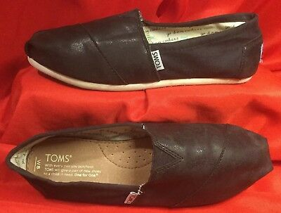 TOMS - Classic  Black  Slip-On  Shoes - Women's  Size  8 W