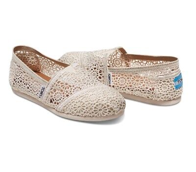 Toms Shoes Authentic Natural Morocco Crochet New w tags Womens Size 9-5