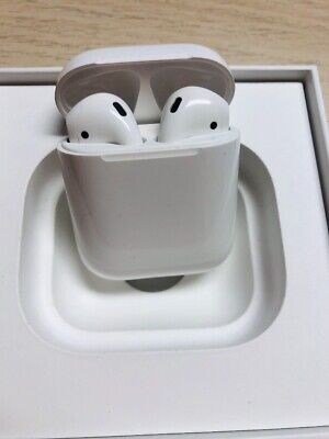 AirPods 1st Generation Apple With Charging Case Grade C - Used - FREE SILICON-