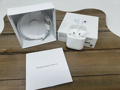 Apple AirPods 2nd Generation with Charging Case - White USED