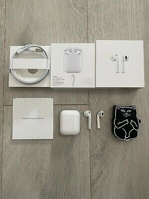 Apple AirPods with Charging Case -White Model A1523 -Original Box- Free shipping