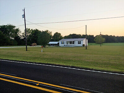 Manufactured Home on 5- Acres in Clarksville TX
