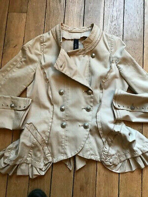 HIGH Use, Une belle coupe ajustée, veste beige