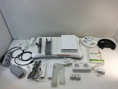 Nintendo Wii Video Game White Console Bundle