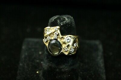 Beautiful Nugget Style Ring with Diamonds and Agate Stone