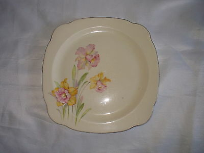 Paden City Pottery PCP Regina Shape Dinner Plate with Daffodils
