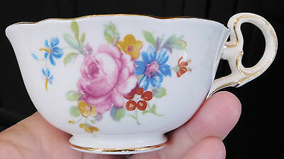 Vintage A-B-J- GRAFTON CHINA BLUE FLORAL TEACUP England Gold Trim Scalloped Vtg