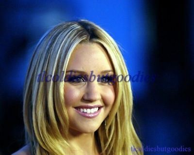AMANDA BYNES HEAD SHOT LOOKS LEFT WHAT I LIKE ABOUT YOU SEXY ACTRESS PHOTO 0136
