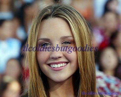 AMANDA BYNES CANDID CLOSE-UP BIG SMILE WHAT I LIKE ABOUT YOU ACTRESS PHOTO 0114