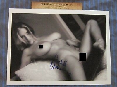 Scarlett Johansson Sexy in Person 8x10 Mint wCOA