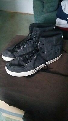 Used worn mens supra skate shoes