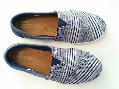 Toms Classic Blue Stripe Slip On Flat Shoes Womens 8-5 M  CLEAN