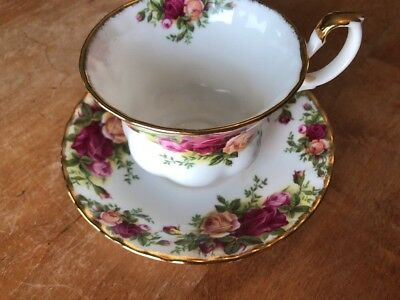 Royal Albert  OLD COUNTRY ROSES TEA CUP AND SAUCER