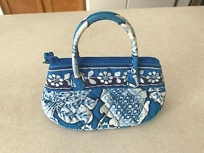VERA BRADLEY small blue and white floral quilted purse BLUE LAGOON