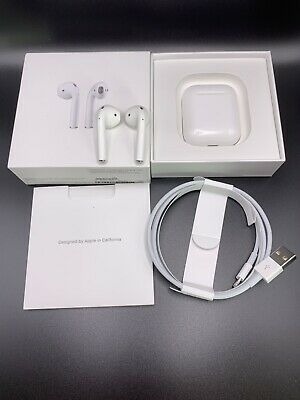Apple AirPods A2031 2nd Generation with Charging Case Excellent 910 Condition