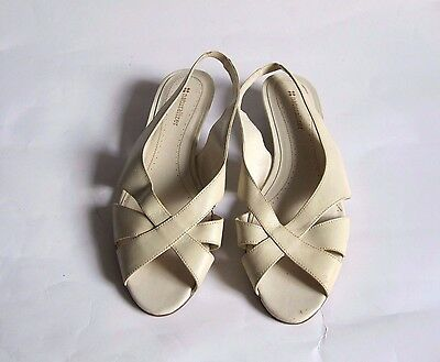 NATURALIZER White Open Toe Leather Womens Slingback Sandals Size 8M