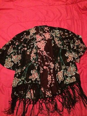 Wet Seal womens black and floral with fringe kimono one size pre-owned
