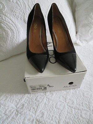 Aldo Women's Size 9 Pointed Toe Black Suede With Patent Toe Pump