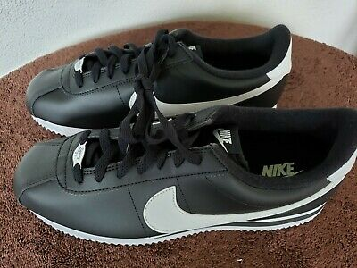 Nike Cortez 72 Mens Shoes Size 10-5 Color Black with White Swoosh Brand New