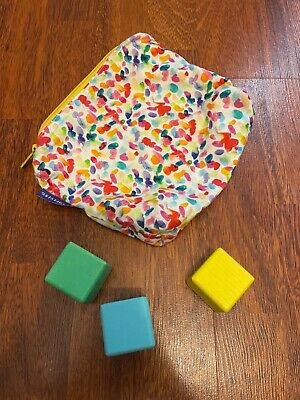 Lovevery Sensory Zipper Pouch Play Kit 9-10 Month Three Wooden Cubes