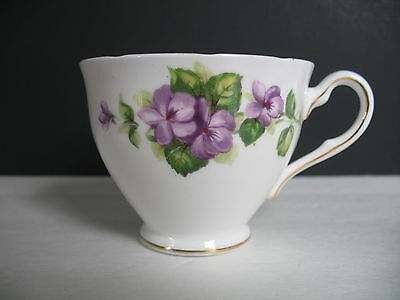 Colclough VIOLETS  Orphan Cup Only   Inner Gold Line Verge   Scalloped Edge VGUC