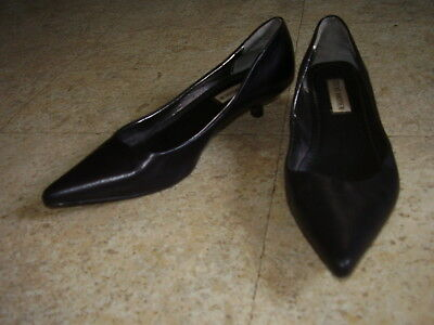 STEVE MADDEN Womens Size 6 M Black Leather Kitten Heels Pumps Shoes
