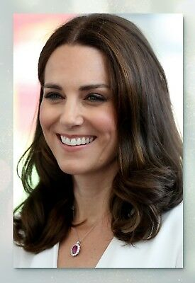 Kate Middleton  Collectible Glossy Celebrity Photo 4x6  2