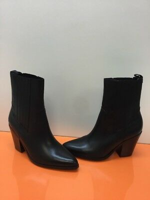 ALDO Black Leather Pointy Toe Block Heel Pull On Ankle Boots Womens Size 10