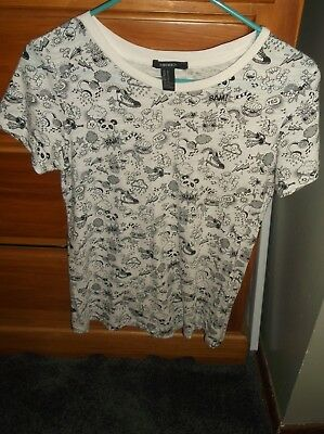 Forever 21 white Tshirt with black print - size M