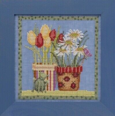 Debbie Mumm for Mill Hill - Blooms and Blossoms Xstitch Kit - Tulips and Daisies