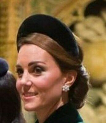 Princess Kate Middleton White Pearl Gold Bead Flower Circle Round Cluster